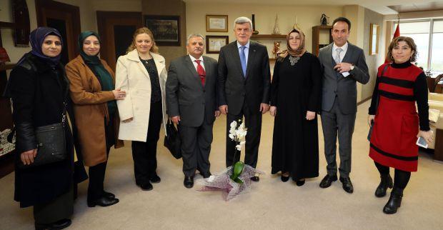 19 Mayıs Anadolu Lisesinden  Karaosmanoğluna ziyaret
