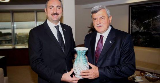 Abdülhamit Gül'den Başkan Karaosmanoğlu'na ziyaret