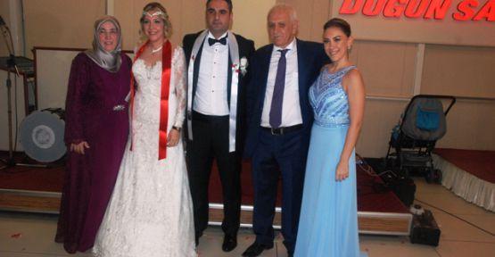 Ahmet Bahar'ın kızı muhteşem bir düğün ile evlendi