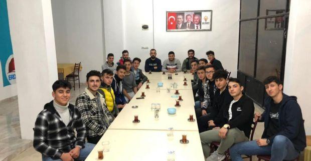 AK Parti Derince Gençlik Kolları Mahalle Toplantılarına devam ediyor