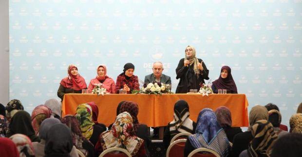 AK Parti Derince'de  Kadınlar salona sığmadı