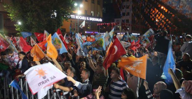 AKP'de zafer coşkusu!