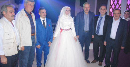 Ali Saroğlu oğlunu evlendirdi