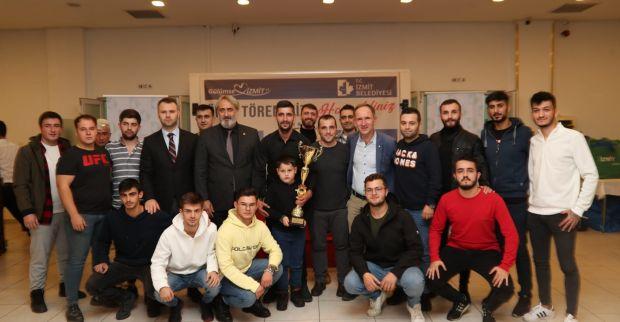 """Amatör futbolcudan Hürriyet'e destek teşekkürü 'İyi ki varsınız Fatma Başkanım"""""""