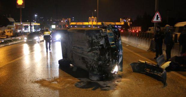 Bariyerlere çarpan araç takla attı 1 yaralı