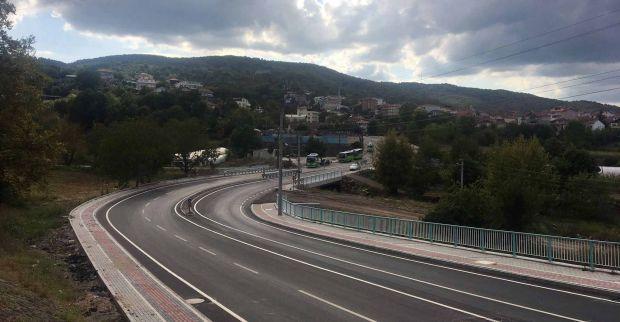 Başiskele Beyoğlu ve Kirazlıbahçe caddelerinde yol çizgileri çizildi