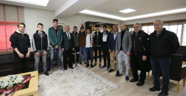Başkan Aygün, Şampiyonları Kutladı