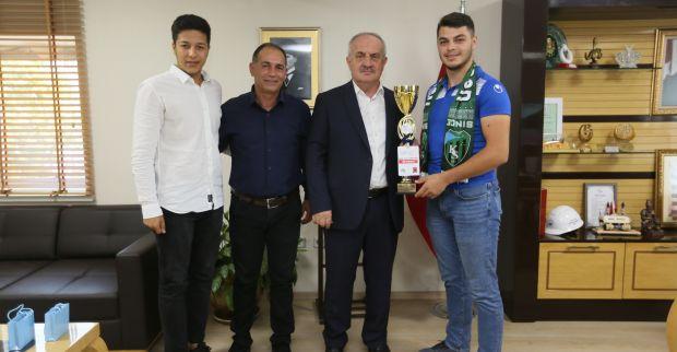 Başkan Aygün Şampiyonları Kutladı