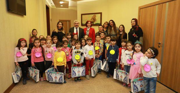Başkan Baran'ın minik misafirleri