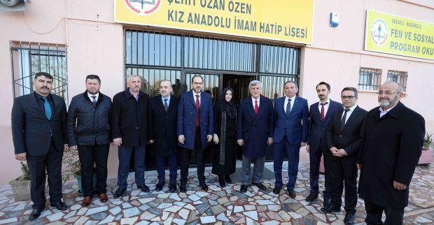 Başkan Karaosmanoğlu, ''Bu sıralarda Bilişim vadimizin mühendisleri yetişiyor''
