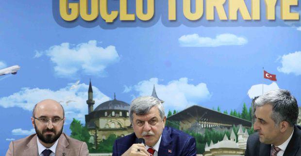 """Başkan Karaosmanoğlu,  'Hepimiz halkımızın hizmetkârıyız"""""""