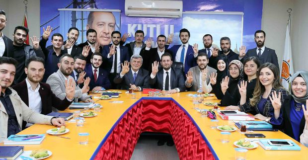 """Başkan Karaosmanoğlu,  'İnsanlığın AK Parti iktidarına ihtiyacı var"""""""