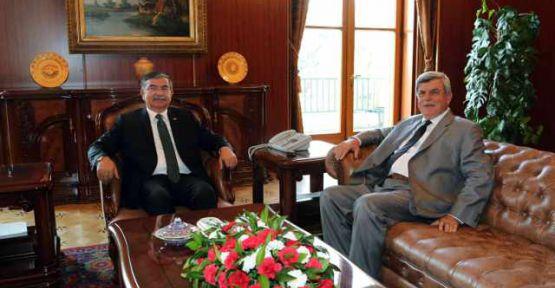 Başkan Karaosmanoğlu'ndan,  İsmet Yılmaz'a hayırlı olsun ziyareti