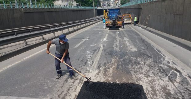 Büyük SEKA Tüneli'nde yol onarımı gerçekleştirildi