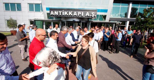 Büyükşehir personeli Antikkapı'da bayramlaştı