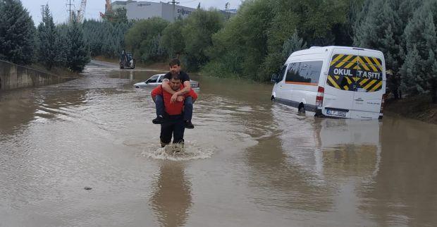 Büyükşehirekipleri yağış boyunca teyakkuzda