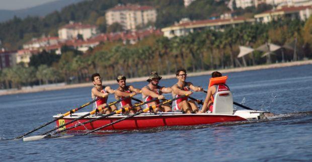 Büyükşehir'in Körfez Kupası Deniz Küreği Yarışları'nda İzmit Sümerspor Farkı
