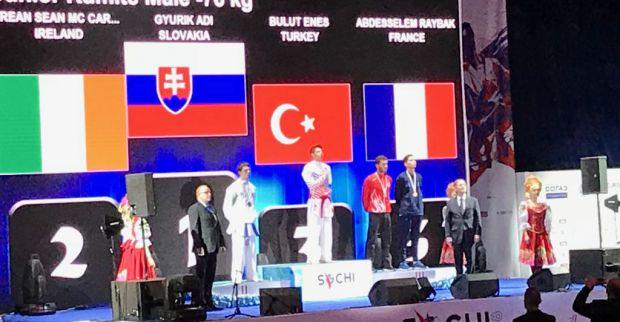 Büyükşehirli Karateciler Rusya'dan 3 bronz ile döndü