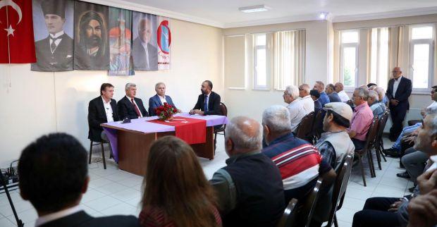 Çayırova'daki canlarla  Muharrem orucunu açtı
