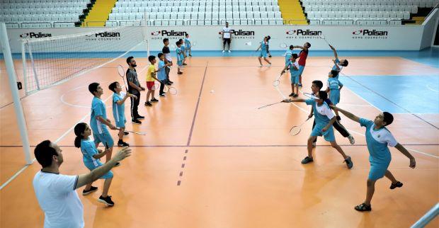 Çocuklar, Badminton sporuyla daha mutlu