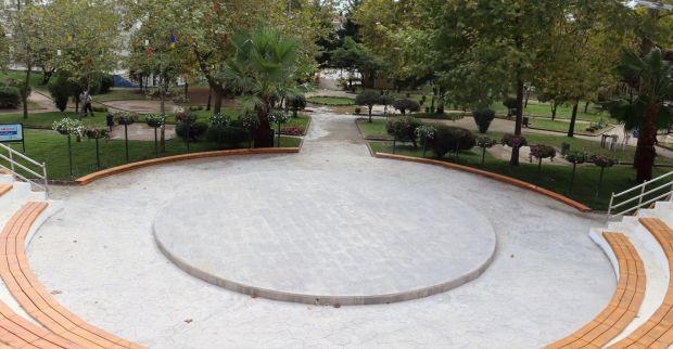 Demokrasi Parkı Amfi Tiyatro  yenileme çalışmasında sona gelindi
