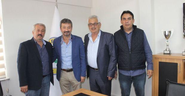 Derince'de Bülent Baturman imzaladı
