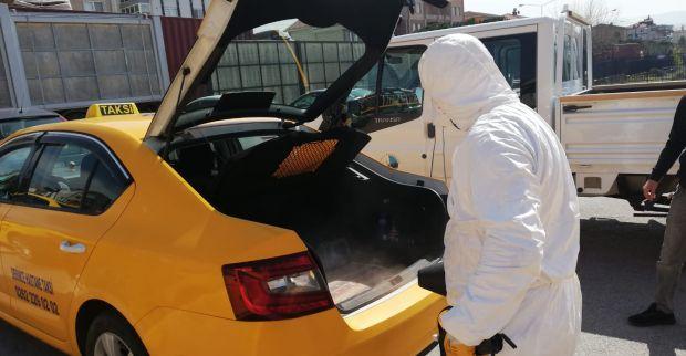 Derince'de Taksi ve Otobüsler Dezenfekte Ediliyor
