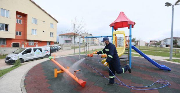 Fatih ve Çenedağ'da Parklar Dezenfekte Edildi