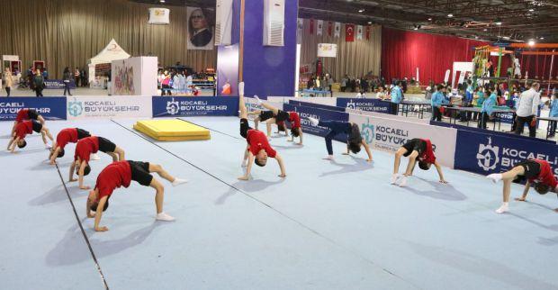 Festivalde spor ve çocuk oyunları heyecanı