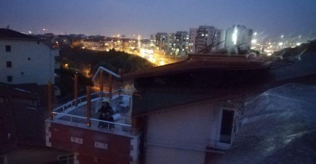 Fırtınanın neden olduğu 15 olaya Büyükşehir'den müdahale