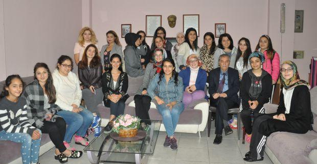 Gencel Kız Öğrenci Yurdu'nda tanışma ve komisyon seçimi