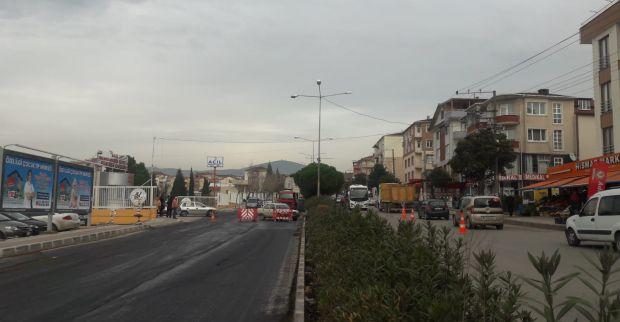 Hastane yolu üzerinde trafik tek şerit