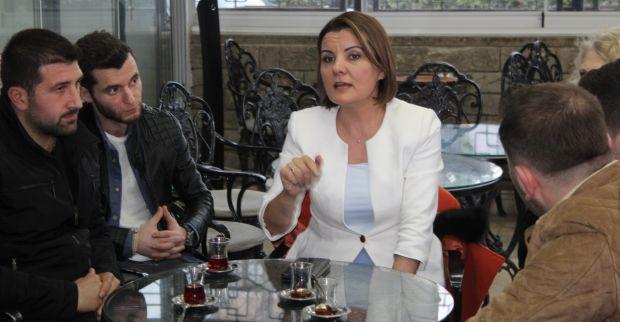Hürriyet Yenidoğan'da gençlerle buluştu