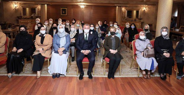 """İl Kadın Kolları Başkanı Özdemir, """"Vatandaşımızın gönüllerindesiniz"""""""