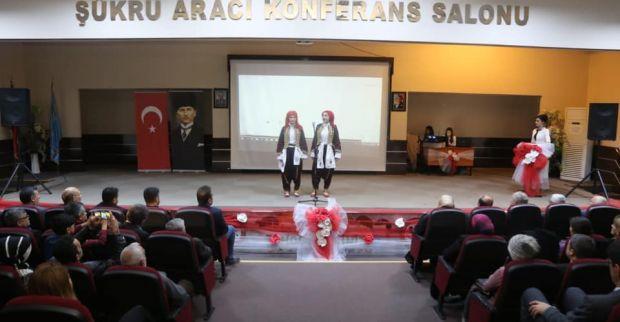 İstiklal Marşının Kabulü gösterisi ayakta alkışlandı