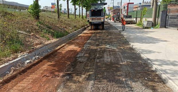 İzmit 42 Evler yan yolda yol onarımı yapıldı