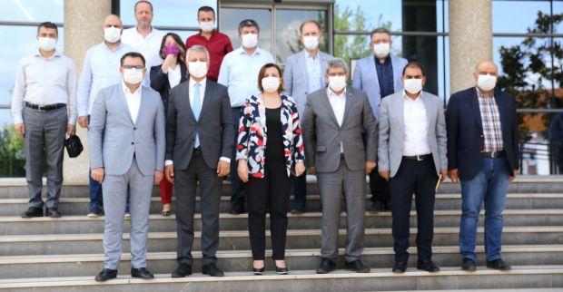 İzmit Belediye Başkanı Hürriyet, KOTO Başkanı Bulut'u ziyaret etti