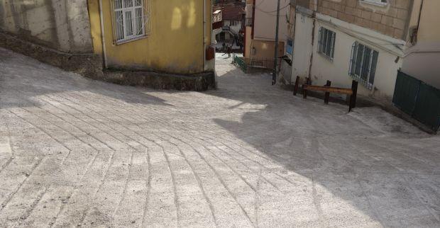 İzmit Belediyesi Bekirdere'ye yeni beton yol kazandırdı