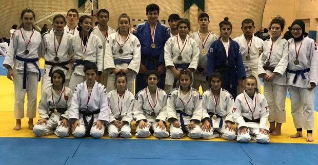Judocular Bursa da fırtına gibi esti