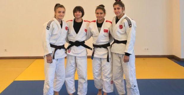 Judocular, Dünya Şampiyonası kampında