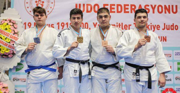 Judoda gelenek bozulmadı, Kağıtspor yine zirvede
