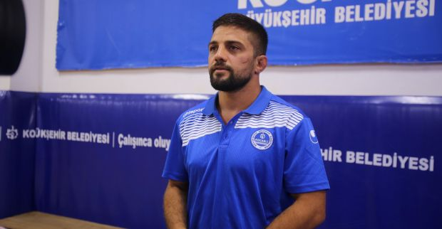 Kağıtspor'da güreşin yeni yıldızı 1 haftada 3 madalya kazandı