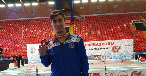 Kağıtsporlu Mert dünya şampiyonası yolcusu