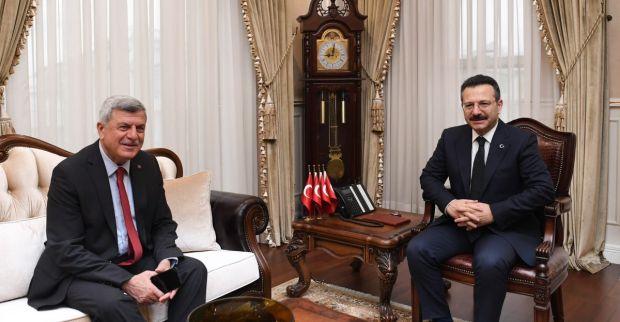 Karaosmanoğlu'ndan Vali Aksoy'a  veda ziyareti
