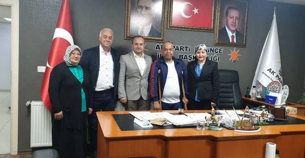 Kocaeli Engelliler Yardımlaşma ve Dayanışma Derneği'nden AK Partiye ziyaret