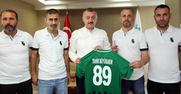 """""""Kocaelispor'un başarısı için  tribünde ter döktünüz"""