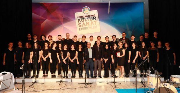 Körfez Belediyesi Gençlik Korosu büyüledi