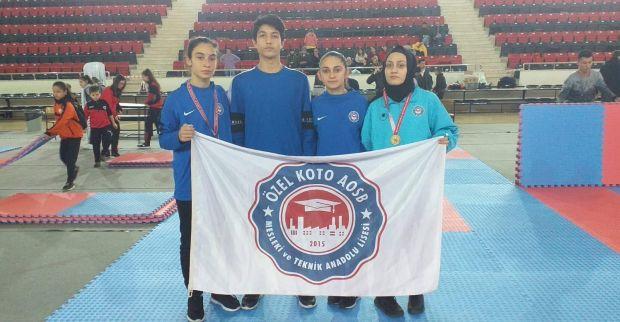 KOTO Okulu öğrencilerinden Karate'de yeni başarılar