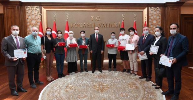 LGS Şampiyonları Vali Seddar Yavuz Tarafından Ödüllendirildi