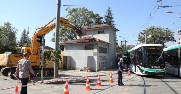 Mehmet Ali Paşa'daki  tehlike oluşturan trafo yıkıldı